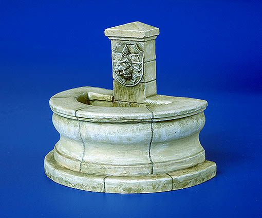 Plus Model Street fountain - round