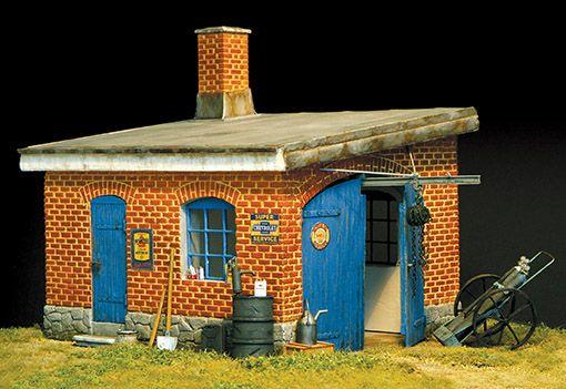 Plus Model Garage
