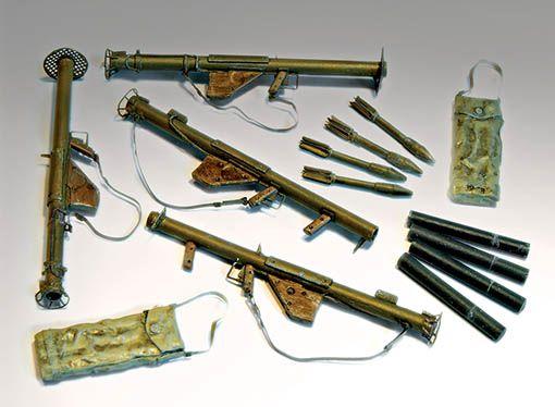 Plus Model Bazooka M1 and M1A1