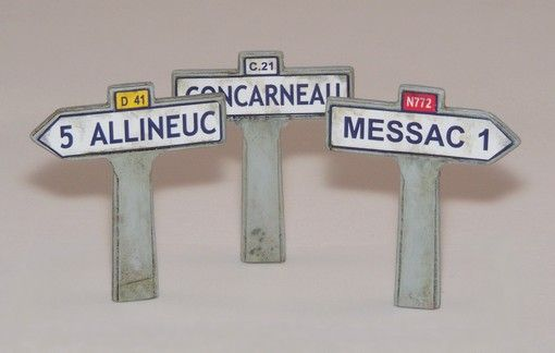 Plus Model Fingerposts - France II