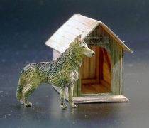 Plus Model Dog house