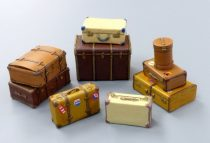 Plus Model Old suitcases
