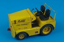 Aerobonus UNITED TRACTOR GC-340/SM340 tow tractor US NAVY/ARMY