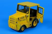 Aerobonus UNITED TRACTOR GC340-4/SM-340 tow tractor (with cab)