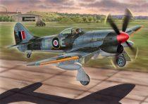 """Special Hobby Hawker tempest Mk.V """"Hi-Tech 2"""" makett"""
