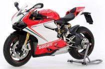 Tamiya Ducati 1199 Panigale S Tricolor makett