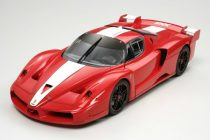 Tamiya Ferrari FXX makett