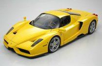 Tamiya Enzo Ferrari Giallo Modena makett