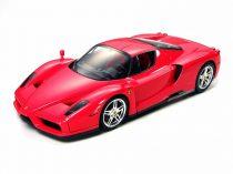 Tamiya Enzo Ferrari makett