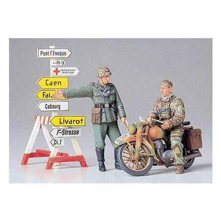 Tamiya German Motorcycle Orderly Set makett
