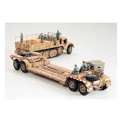 Tamiya German 18T Famo and Tank Transporter makett