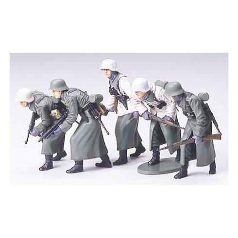 Tamiya German Assault Infantry - Winter Gear