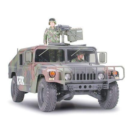 Tamiya M1025 Humvee Armament Carrier makett