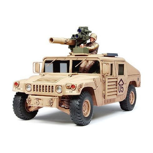 Tamiya M1046 Humvee - TOW Missile Carrier makett