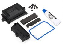 Traxxas Box, receiver (sealed)/ wire cover/ foam pads/ silicone grease/ 3x15 CS (4)